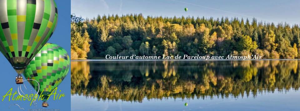Reflet et couleurs d'automne de la montgolfière dans le lac de Pareloup