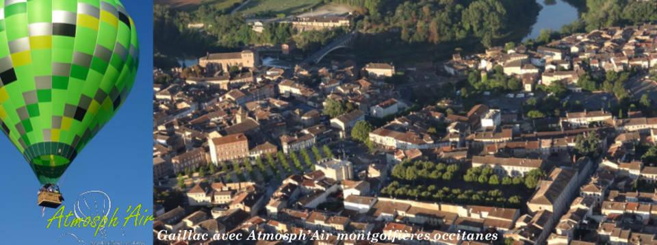 Vue en montgolfière du centre ville de Gaillac et de l'Eglise Sain Michel