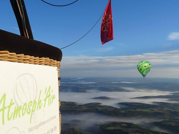 Cadeau de Noël montgolfière dans le Tarn Aveyron Haute Garonne Gers Lot Arriège
