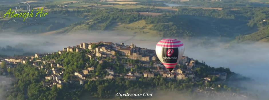 Vue panoramique au balcon d'Atmosph'Air montgolfières